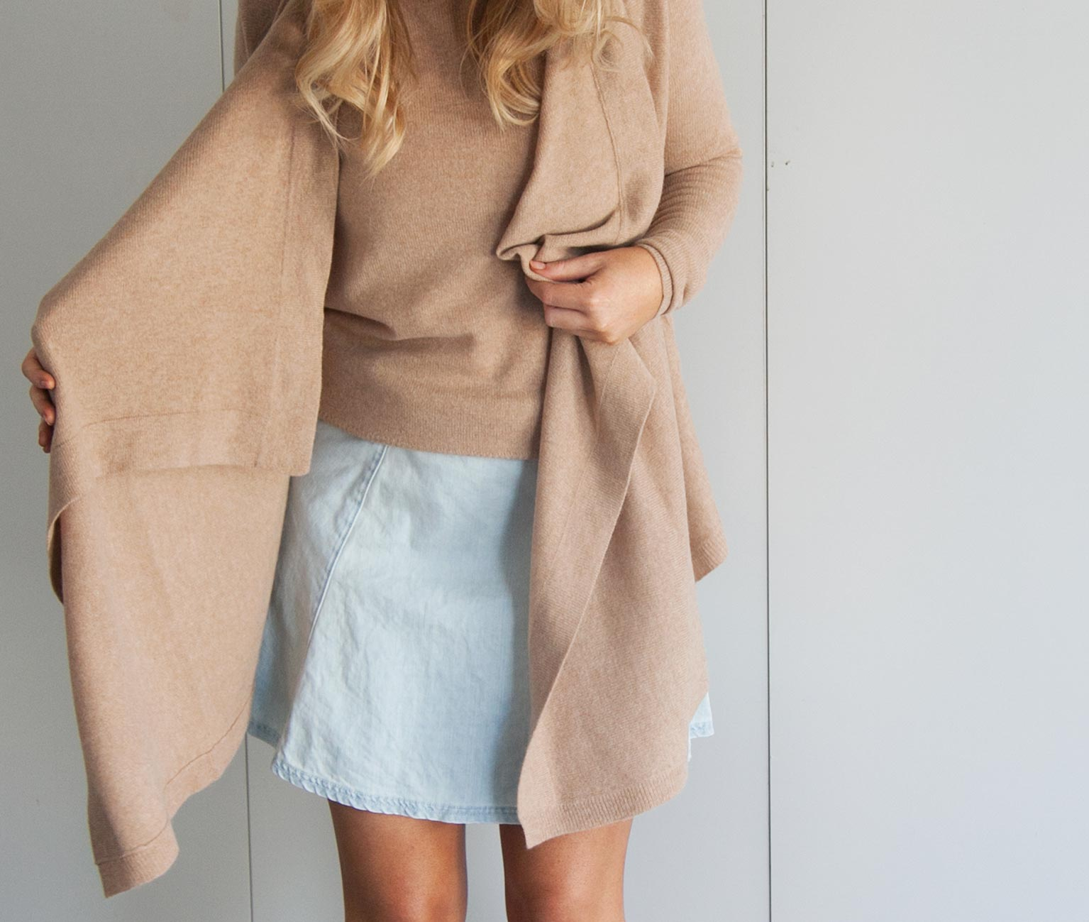 Camel Cashmere Cardigan - Cardigan With Buttons