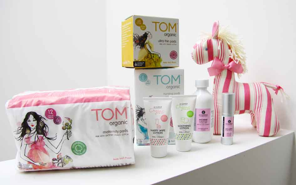 TOM ORGANIC, BREASTFEEDING, PREGNANCY, ORGANIC FEMININE HYGEINE PRODUCTS, LIFESTYLE BLOGGER, MUMMY BLOGGER, SARAH JANE YOUNG, SHEISSARAHJANE, MATERNITY PADS, NAPPY WIPE LOTION, NURSING PADS, ULTRA THIN PADS, BEAUTY REVIEW, BEAUTY BLOGGER