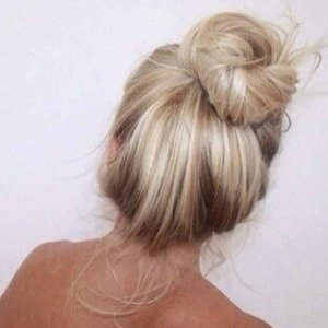 sheissarahjane, sarah jane young, top knot, top knot how-to, how to do a top knot, beauty bloggerm hair, hair review, hair how-to, summer hair, brunette, braided top knot