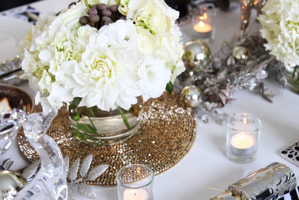 SARAH JANE YOUNG, CHRISTMAS, CHRISTMAS FLOWERS, CHRISTMAS STYLING, WHITE CHRISTMAS STYLING, TABLE STYLING, FOOD STYLING, SARAH JANE YOUNG, MARY MARY STUDIO,