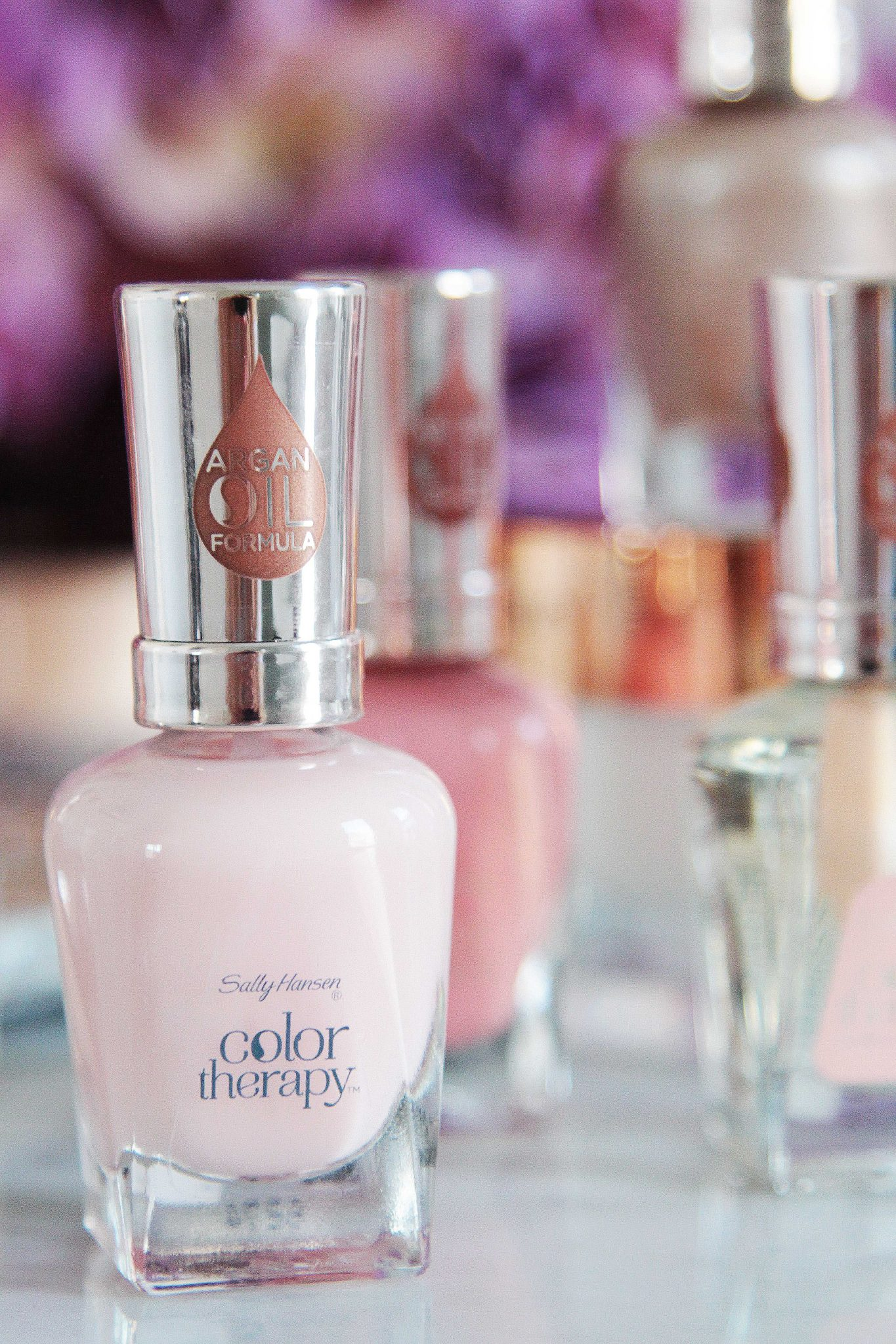 SALLY HANSEN, COLOR THERAPY, COLOUR THERAPY, NAILS, NAIL ART, DIY NAILS, TOP COAT, BEAUTY REVIEW, BEAUTY BLOGGER, SARAH JANE YOUNG, SHEISSARAHJANE