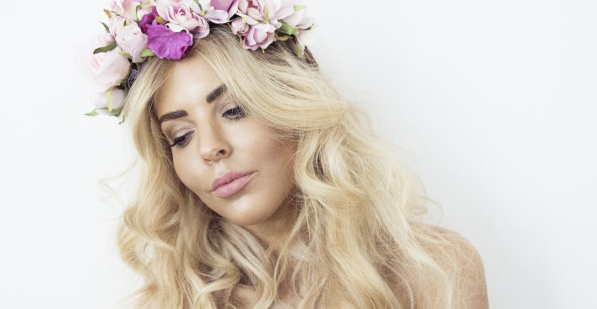 SARAH JANE YOUNG, Mint and Melon Flower Crowns, SHEISSARAHJANE, MHAIRI MCQUEEN, KOH ELWOOD, BOHO HAIR, BLONDE HAIR, BOHO HAIR HOW-TO, FESTIVAL HAIR, BEACH WAVES, BEAUTY BLOGGER, MELBOURNE BEAUTY BLOGGER, ZOE KARLIS MAKE-UP