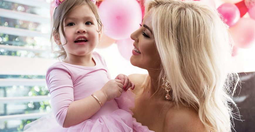 SARAH JANE YOUNG, THIRD BIRTHDAY, PINK PARTY, SHEISSARAHJANE, MUMMY BLOGGER
